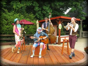The Village Band of Aquitaine is also the band that serenades you on the River Cruise!