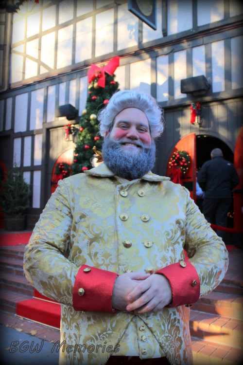 Fezziwig makes sure to smile and keep everyone in Good Cheer!
